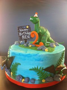 T-rex birthday cake - This was a cake I made for a little boy who loves dinosours. The t-rex took me a while and was completely made from gum paste. He loved it! Dinasour Birthday Cake, Dinasour Cake, 4th Birthday Cakes, Dinosaur Birthday, Dinosaur Party, Dinosaur Toys, Birthday Ideas, T Rex Cake, Dino Cake