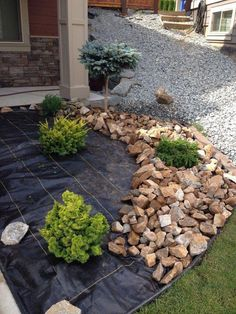 50 garden design with stones for backyard and front yard landscaping ideas to ma. - 50 garden design with stones for backyard and front yard landscaping ideas to make more beautiful 4 - Cheap Landscaping Ideas, Landscaping With Rocks, Outdoor Landscaping, Outdoor Gardens, Landscaping Design, Front House Landscaping, Mailbox Landscaping, Decorative Rock Landscaping, Landscaping Equipment