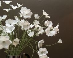 How to Make Simple White Paper Flowers - CraftStylish