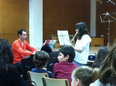 Aida acompanyada per Enric durant l'audició de Repertori (25-3-2013).