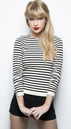 Taylor Swift #clothing (love her hair straight too)