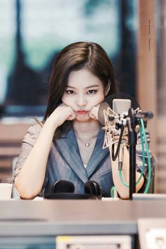 Blackpink is giving away a day with a member of your choice. You were a blink for a long time and were the lucky winner of this giveaway. in jenniekim Kpop Girl Groups, Korean Girl Groups, Kpop Girls, Kim Jennie, Forever Young, K Pop, Black Pink Kpop, Blackpink Photos, Blackpink Jisoo