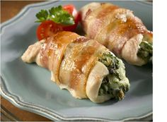Chicken breasts are pounded thin, then filled with spinach and cheese, before being wrapped in streaky bacon. The resulting chicken breast is deliciously tender. Serve with salad, rice, potatoes or pasta. Bacon Wrapped Chicken, Chicken Bacon, Feta Chicken, Healthy Chicken, Pasta, Spinach Stuffed Chicken, Recipe Details, I Love Food, Chicken Recipes