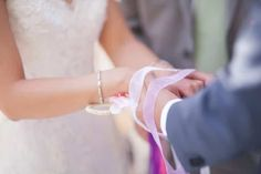 Handfasting : décryptage de ce rituel de cérémonie