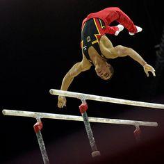 gymnast_2105941i.jpg 620×620 pixels