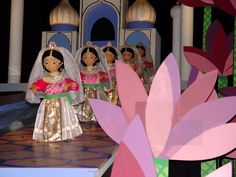 its a small world dolls   It's a Small World ride ~ dolls of India   It's a Small World