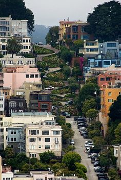 San Francisco-CA. Lombard St. a famous landmark in San Francisco.