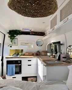 Caravan Living, Bus Living, Tiny Living, Van Conversion Plans, Van Conversion Interior, Camper Life, Camper Van, Saint Nazaire, Van Home