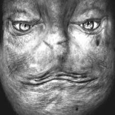 Fotos de rostos de ponta cabeça tornam pessoas em aliens