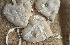"""Купить Интерьерные подвески """"Нежность"""" - бежевый, сердечки, сердечко подвеска, сердечко текстильное, валентинка"""