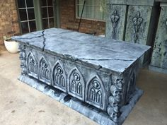 Awesome fog chiller crypt/tomb by Halloween forum member Donny Lizenbee check out his tut & videos!