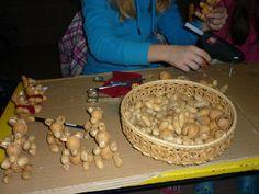 tvoření s dětmi na vánoční jarmark - Hledat Googlem Stuffed Mushrooms, Vegetables, Food, Stuff Mushrooms, Essen, Vegetable Recipes, Meals, Yemek, Veggies