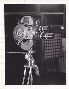 U.S. Army Air Force 16mm Victor Model 4, Type B-1 Aircraft Camera on tripod.