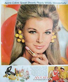 1968 vintage cosmetics Ad for AVON, lovely Blonde Model 102313 Linda Evans Vintage Makeup Ads, Retro Makeup, Old Makeup, Vintage Beauty, Vintage Fashion, Pub Vintage, Photo Vintage, Vintage Avon, Mode Vintage