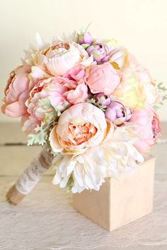 7 Popular Bridal Bouquet Shapes & Styles ❤ Wedding bouquet is an important bride's accessory. There are plenty different kind of flowers and seven of the most popular bridal bouquet shapes. See more: http://www.weddingforward.com/bridal-bouquet-shapes/ #wedding #bridal #bouquets #shapes