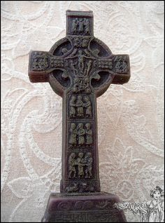Vintage High Celtic Cross of Muiredadach Candle by kambriel
