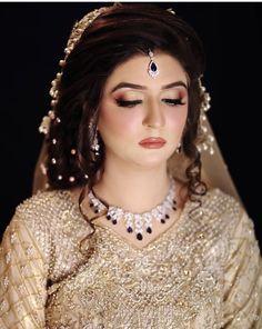Halloween Eye Makeup, Bridal Makeup, Belly Dance, Beautiful Bride, Indian Actresses, Wedding Bride, Pearl Necklace, Chokers, Make Up