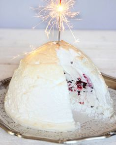 "Sökresultat för ""glace au four"" – Lindas Bakskola New Year's Desserts, Dessert Recipes, Food N, Food And Drink, Frozen Yoghurt, Healthy Pasta Recipes, Frozen Cake, Four, Parfait"