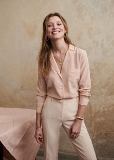 This Season, Blush Is Big – The Simply Luxurious Life® Yes, it's true! Look for blush in the new collections hitting stores soon, if not already, for the spring 2019 season. I couldn't help but include Fashion Week, Work Fashion, Trendy Fashion, Nyc Fashion, Fashion 2017, Camisa Beige, Vetement Fashion, Casual Outfits, Fashion Outfits
