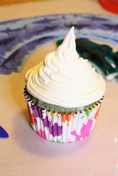 DIY Blue Velvet Shark Week Cupcakes! #Recipe #SharkWeek — The Queen of Swag!