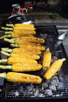 屋台の焼きとうもろこし  Nothing else tastes like corn grilled in soy sauce.