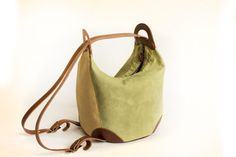 Convertible bag with round bottom