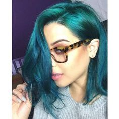 With colors that provide subtle tones to darker hair, you don't have to be platinum blonde for your color to look fabulous! IG's @makeupbyjlr demonstrates the power of #AfterMidnight over darker blonde hair. With teal that gorgeous combined with those tortoise shell glasses, she is a step beyond #mermaidian!