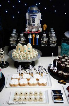 Star Wars theme wedding ideas | This STAR WARS THEMED BIRTHDAY PARTY submitted by Mariana Zago of ...