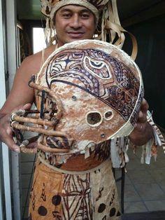 This helmet is RAD. #Seahawks #GoHawks pic.twitter.com/EurxibgEJe