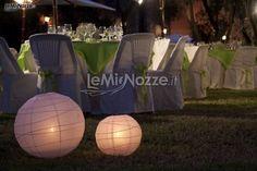 http://www.lemienozze.it/operatori-matrimonio/catering_e_torte_nuziali/magnolia_eventi/media  Allestimento con luci per il ricevimento di nozze