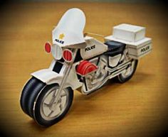 Japanese Classic Police Motorcycle Paper Model - by E-Park - == -  This beautiful and easy-to-build paper model of a Classic Japanese Police bike was originally posted at E-Park wesite in 2003. I have this model saved in my HD for a long time. The original page where it was posted no longer exists, so I decided to share it.