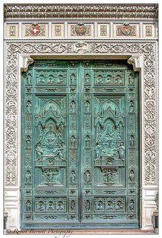Main Door of the Basilica di Santa Maria Fiore, Il Duomo, Florence, Italy