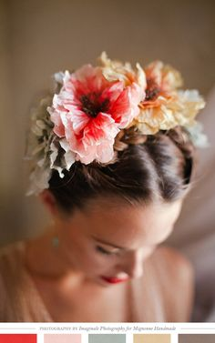 crown of peonies hair. flowers in her hair Hair! Casco Floral, Braided Hairstyles, Wedding Hairstyles, Flower Hairstyles, Bridal Hairstyle, Hair Inspiration, Wedding Inspiration, Corte Y Color, Floral Headpiece