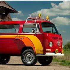 VW bay window bus Volkswagen Transporter, Vw Bus T2, Bus Camper, Volkswagen Bus, Vw T1, Combi T2, Cool Vans, Bay Window, Dream Cars