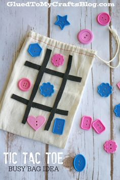 Simple On-The-Go Tic Tac Toe Busy Bag Idea - tic tac toe in a baggie!