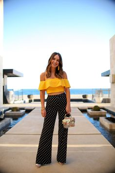Gorgeous High Waister Pants Outfit Looks That Are Super Trendy - Fashionable Summer Pants Outfits, Crop Top Outfits, Clubbing Outfits, Polka Dot Pants, Polka Dots, Fashion Pants, Women's Fashion, Fashion Today, Vestidos