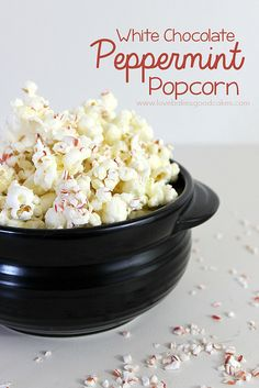 White Chocolate Peppermint Popcorn - a great way to use up those leftover candy canes from the holidays! A fun treat! #peppermint #popcorn #...
