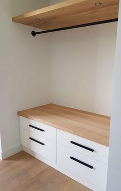 Hallway Storage, Bedroom Storage, Bedroom Decor, Hallway Designs, Closet Designs, Flur Design, Dressing Room Design, Hallway Decorating, Closet Bedroom
