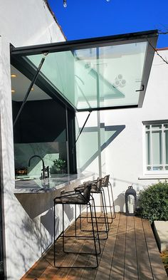 Indoor Outdoor Kitchen, Outdoor Kitchen Design, Kitchen Window Bar, Future House, My House, Küchen Design, House Design, Pass Through Window, Window Bars
