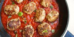 Saftige frikadeller med italienske smage og en skøn tomatsauce