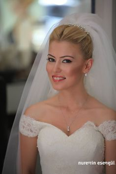 Bridal Veils And Headpieces, Wedding Veils, Wedding Bride, Dream Wedding Dresses, Designer Wedding Dresses, Bridal Show, Bride Hairstyles, Bridal Portraits, Bridal Hair