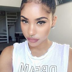 We can't get enough of Youtube beauty guru ItsMyRayeRaye's bold, luscious brows.