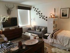 Studio Apartment Furniture, Basement Apartment Decor, Studio Apartment Layout, Studio Apartment Decorating, One Bedroom Apartment, Apartment Interior, Apartment Therapy, Apartment Ideas, Couples Apartment
