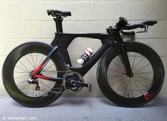 Dave Mirra is currently in Kona to watch the race and train on the GoPro Ironman Worlds course. That gave us a chance to check out his custom Cervelo Ironman Triathlon, Triathlon Bikes, Trial Bike, New Bicycle, Road Bike Women, Bicycle Maintenance, Cool Bike Accessories, Kids Ride On, Bike Run