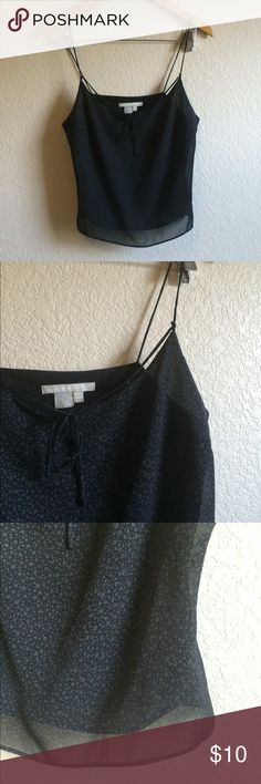 Zara Crop Top This strappy, floral print crop top says size 10 but would best fit a small or medium. Zara Tops Crop Tops