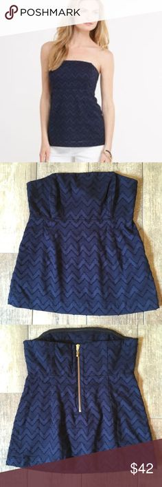 NWT Vineyard Vines Chevron Strapless Top NWT Vineyard Vines chevron jacquard Strapless nautical navy top. Fully lined with boning at chest. Back gold exposed zip. Measures 18 inches from top to hem and waist measures 14 inches. Vineyard Vines Tops