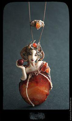 Купить Apple poison - бордовый, агат, агат кракле, персонаж, белоснежка, сказка, скульптурная миниатюра