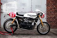 Triumph Cafe Racer #motorcycles #caferacer #motos | caferacerpasion.com