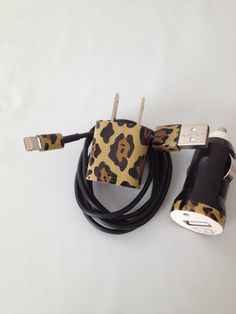 Cheetah I PHONE 4/4SI PHONE 5 Charger customized