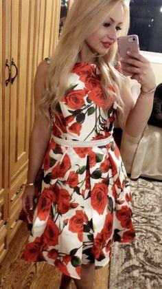 Short Dresses, Couture, Fashion, Short Gowns, Moda, Fashion Styles, Haute Couture, Fashion Illustrations, Mini Dresses